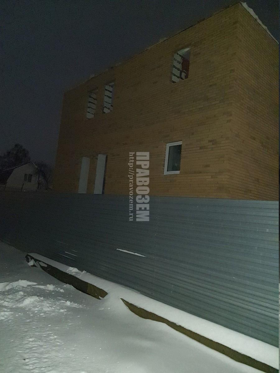 Построили дом на меже не по нормам А/Н Правозем